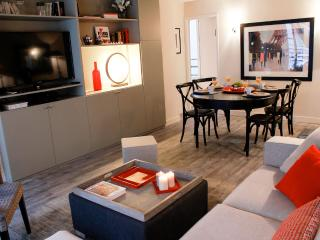 Eiffel Excellence - Stylish Eiffel Tower 2 bedroom apartment - Paris vacation rentals