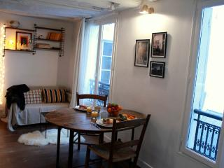 Marais Collection 2 - Charming Hotel de Ville studio apartment - Paris vacation rentals