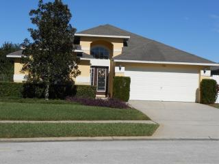 3 miles to Disney World - Luxury 4 bed / 3 bath villa; Heat pool; Game room; Free WIFI and Domestic calls. - Kissimmee vacation rentals