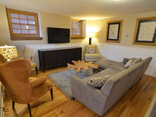 Best Location in DC! Sleep 8 for the Price of 2! - Washington DC vacation rentals