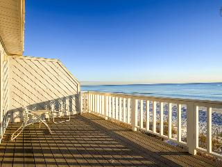 Oceanfront townhouse on secluded beach near Rosemary Beach - The Oceanaire - Mountain Village vacation rentals