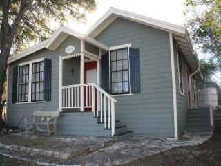 Broadway Cottage - Fredericksburg vacation rentals