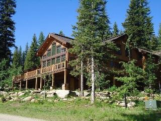 Tripod Lodge 4 - 4 Bedroom, 4.5 Baths. Sleeps 9. WIFI. Satellite TV. Can be rented as a 6 bedroom. - Tamarack Resort vacation rentals
