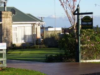 Hursthouse Heights Farmstay - New Plymouth vacation rentals