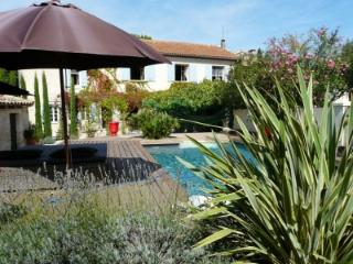 Charming Home in Small Village of Fontvieille - Robion vacation rentals