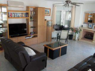 3 Bed Villa Private Pool Ciudad Quesada. - La Mata vacation rentals