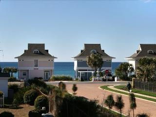 THE PERCH at Gulfview: Gorgeous Top-floor Unit - Miramar Beach vacation rentals