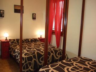 APT.CONDE DUQUE/MALASAÑA - Madrid Area vacation rentals
