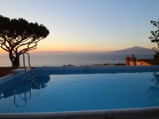 Wonderful villa view, pool, 3br/2ba in Sorrento - Sorrento vacation rentals