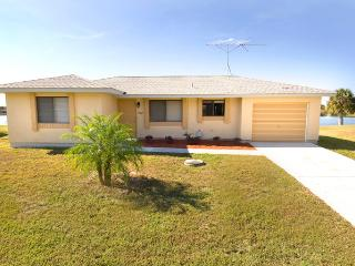 Lakefront home with 4 sleeps - Port Charlotte vacation rentals