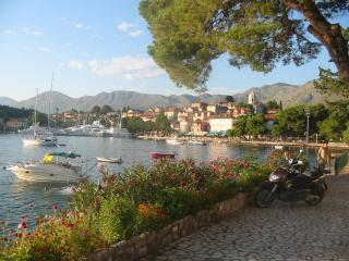 Family apartment for 8 persons - Cavtat vacation rentals