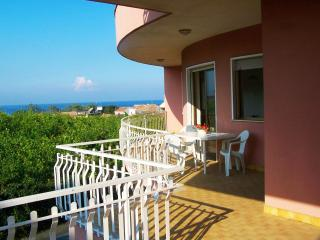 Vacanze Le Margherite - Apartment Ionio - 7 people - Acireale vacation rentals