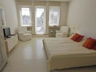 Vacation Apartment in Bremen - 355 sqft, central, quiet, bright (# 4766) - Bremen vacation rentals
