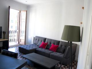 Beatiful Art Deco Apartment In Bcn Center - Barcelona vacation rentals