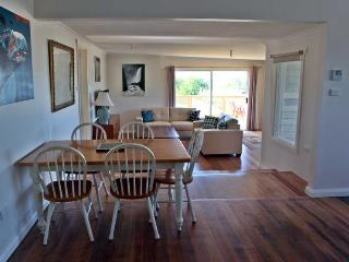 SeaView house is a gorgeous, upmarket, 4 bedroom, 2 bathroom property located in the lovely seaside town of Ulverstone - Ulverstone vacation rentals