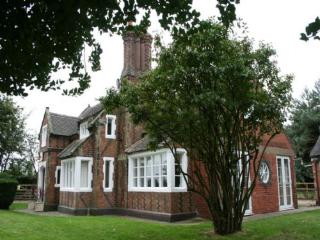 ORGREAVE LODGE, Orgreave, Burton on Trent, Staffordshire - Staffordshire vacation rentals