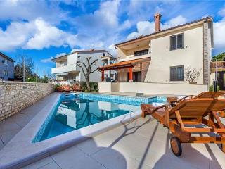 Holiday house for 8 persons, with swimming pool , in Pula - Pula vacation rentals