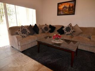 RP4T745LMS Gorgeous 4 Bedroom Townhouse with Facilities - Davenport vacation rentals