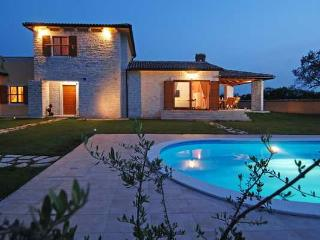 CASA TIA - beautiful stone house among olive trees - Jursici vacation rentals