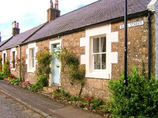 CRAIGVIEW, end-terrace cottage, woodburning stove, off road parking, garden, in Straiton, Ref 904015 - South Ayrshire vacation rentals