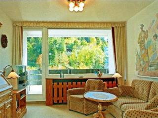 Vacation Apartment in Garmisch-Partenkirchen - 484 sqft, warm, comfortable, relaxing (# 4789) - Bavaria vacation rentals