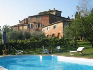 Farmhouse Apartment Duilio - Bettolle vacation rentals