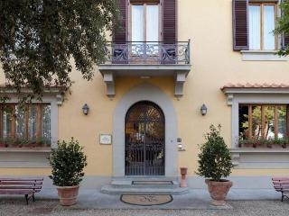 Bed and Breakfast Sellina - Lastra a Signa vacation rentals