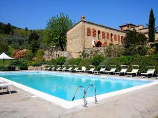 Il borgo - Farmhouse Hillock - Bucine vacation rentals