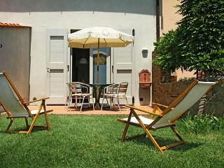 La Rocca - Apartment Beige - Montespertoli vacation rentals