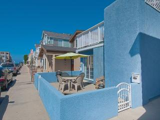125 A 27th Street- Lower 1 Bedroom 1 Bath - Orange County vacation rentals