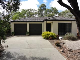 Woodcroft on the Golfcourse. - South Australia vacation rentals