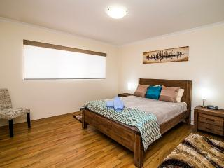 Busselton Holiday Home - sensational location! - Busselton vacation rentals