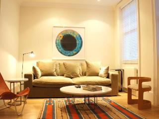 The Peony Apartment - London vacation rentals