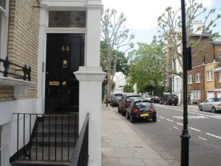 The Hollywood Apartment - London vacation rentals