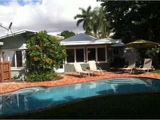 Pool and patio great for family fun or entertaining - Rio Vista pool home - Fort Lauderdale - rentals