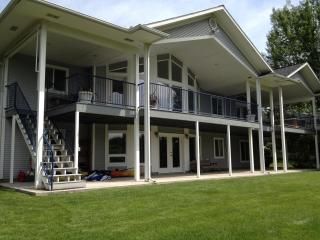 Waterfront Executive Home - Spokane vacation rentals