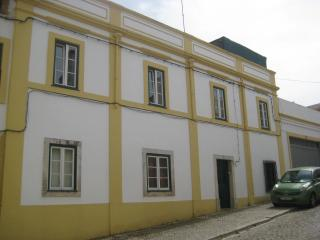 Charming traditional townhouse, great location - Santiago do Cacem vacation rentals
