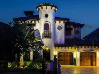 Beautiful 5 bedroom home with Pool and Spa. - Disney vacation rentals