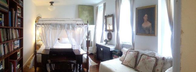 The Library Room sleeps 3 - The Library Retreat Bedroom  in The Church Des Artistes - Kingston - rentals
