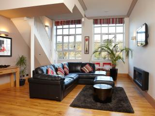 Stunning luxury 2bed apartment Salts Mill Saltaire - Shipley vacation rentals