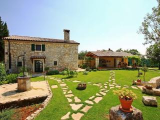Villa Lili - Holiday house with pool in Istria - Bratulici vacation rentals