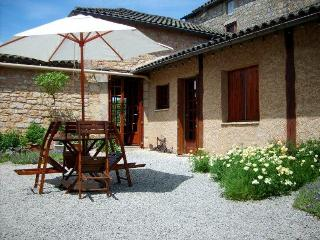 Exclusive B & B in the land of Lascaux and Lautrec - Montcabrier vacation rentals