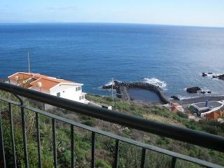 MAGOS BEACH - SPACIOUS LUXURY APARTMENT WITH ENDLESS OCEAN VIEWS - Canico vacation rentals