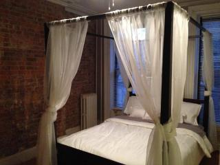 Exposed Brick Brownstone Apartment! - Greater New York Area vacation rentals