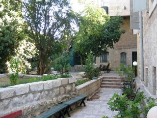 The Studio - Central Green & Private. 1 room unit - Jerusalem vacation rentals