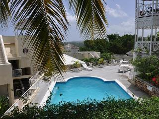 PARADISE CH -132348 1 BEDROOM APARTMENT - PRIVATE | SECURE TOWN LOCATION WITH POOL - OCHO RIOS - Montego Bay vacation rentals