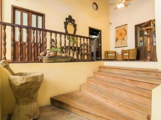 Bright 2 Bedroom Apartment in Old Town - Cartagena District vacation rentals