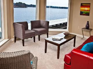 DECORATORS DREAM!! MAIN CHANNEL LAKE HAMILTON VIEWS - 7 SOUTH LOCATION - Hot Springs vacation rentals
