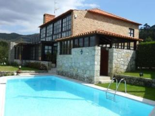 Rustic cottage in northern Portugal  in a beautiful region - PT-1077213-Afife - Northern Portugal vacation rentals