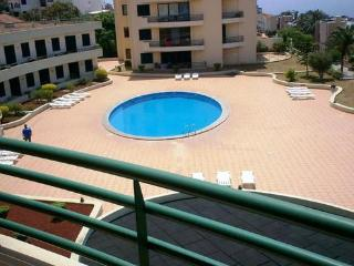 Apartment with 100m² of living space  with shared pool - PT-1077223-Garajau-Caniço - Canico vacation rentals
